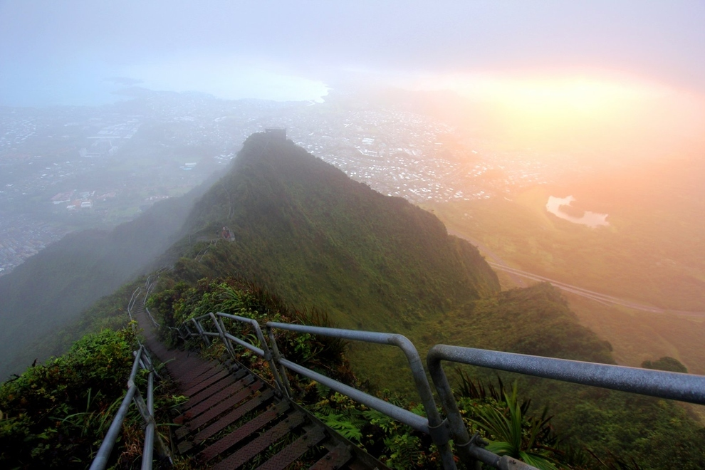 Oahu Hawaii United States  City new picture : Haiku Stairs of Oahu in Hawaii, United States